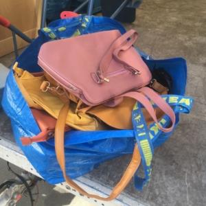 Taschen gespendet heute